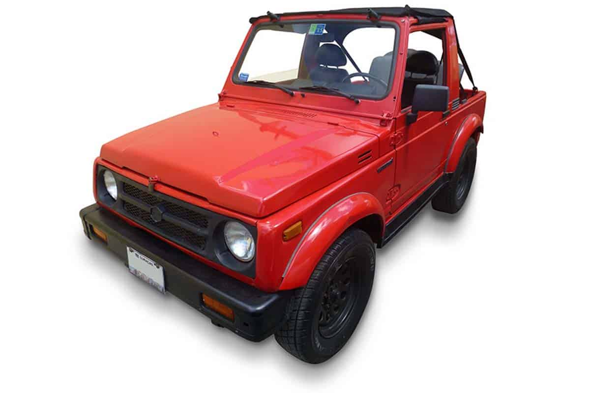 Suzuki Samurai Red Category A Goed en Goedkoop Autohuren Curacao